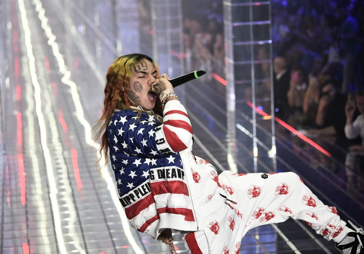 Tekashi 69, performs during the Philipp Plein fashion showw as part of the Women's Spring/Summer 2019 fashion week in Milan, on September 21, 2018.
