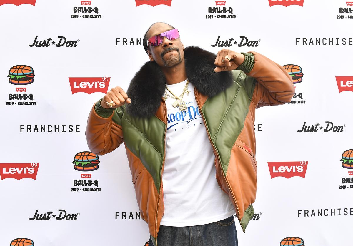Snoop Dogg attends Levi's® All-Star Weekend Ball-B-Q with Just Don and Snoop Dogg at Heist Brewery on February 16, 2019 in Charlotte, North Carolina