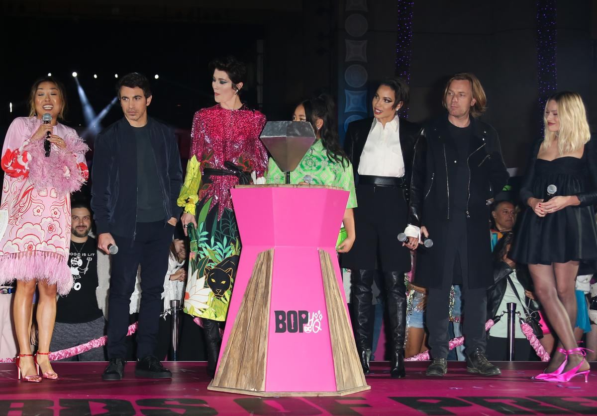 "Cathy Yan, Chris Messina, Mary Elizabeth Winstead, Ella Jay Basco, Jurnee Smollett-Bell, Ewan McGregor, and Margot Robbie attend the premiere of Warner Bros. Pictures' ""Birds Of Prey"" (Jan. 2020)"
