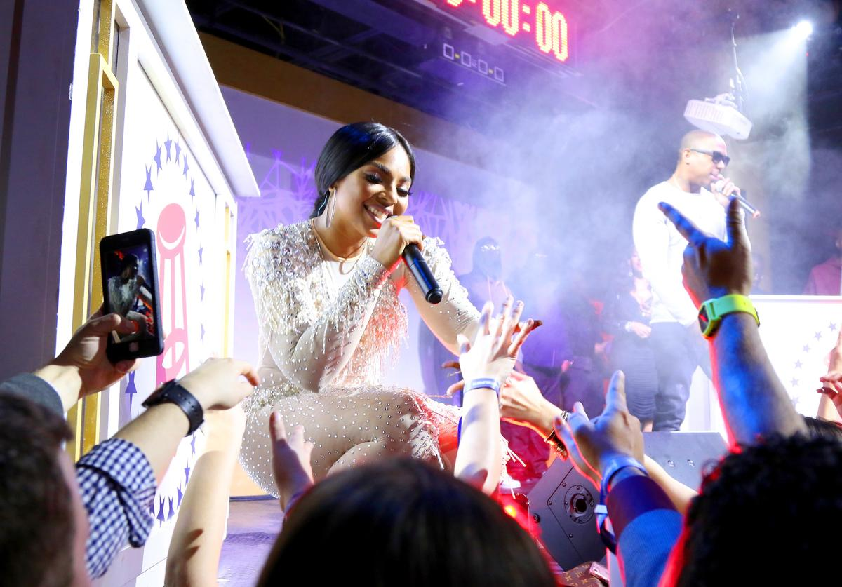 Singer Ashanti performs onstage at The Barstool Party 2017 on February 3, 2017 in Houston, Texas