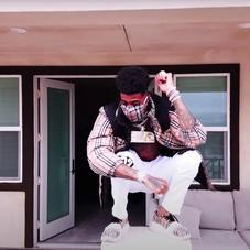 """Blueface Includes Footage Of Viral Catfight In """"Vibes"""" Music Video"""