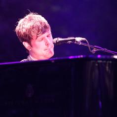 """James Blake Releases New Song """"Don't Miss It"""""""