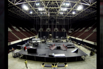 "Lil Wayne ""Tour Passport: Stage Set-Up (Ep. 5)"" Video"