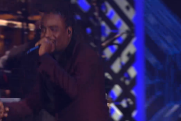 "Wale Performs ""Love Hate Thing"" At 2013 Soul Train Awards"