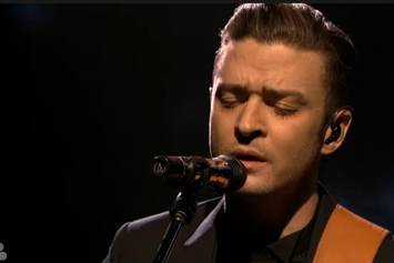 "Justin Timberlake Performs ""Pair Of Wings"" On SNL"