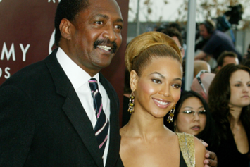 "Beyoncé And Solange's Father Suggests That The ""Elevator Incident"" Was A Publicity Stunt"
