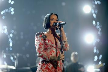 "Rihanna Postpones ""Anti"" World Tour"