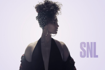 "Alicia Keys Performs ""In Common,"" Debuts ""Hallelujah"" On SNL"