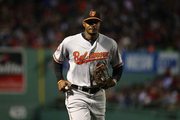 Adam Jones Receives Standing Ovation In Boston Following Incident With Fans