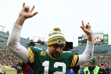 Aaron Rodgers Tweet Saves Students From Final Exam