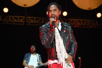 """Miguel Performs """"Come Through And Chill"""" On Stephen Colbert"""