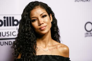 Jhene Aiko Stops Show After Fan Suffers Seizure