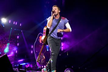 """Coldplay's Chris Martin Performs """"Hotline Bling"""" By Drake At Charity Show"""
