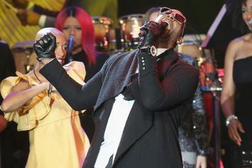 R. Kelly Helps Couple Announce Pregnancy In Rare Jovial Moment