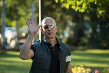 Jeff Bezos' Mansion Gets Broken Into, Crooks Lead Cops On Car Chase & Escape