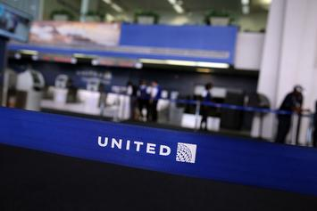 United Airlines Takes An L For Allowing Passenger To Masturbate During Flight