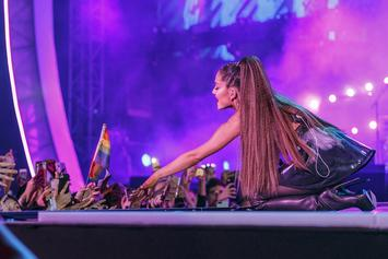 """Ariana Grande Steps Back From Social Media Due To """"Negative Shit"""" From Her Fans"""