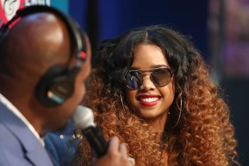 "H.E.R. Performs ""I Am"" On ""The Tonight Show"" Ahead Of Her North American Tour"