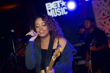 """H.E.R. Visits NPR """"Tiny Desk"""" For A Soulful Performance Of Her Greatest Hits"""