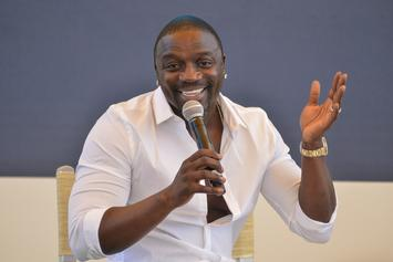 "Akon Advises Eddie Murphy & Arsenio Hall To Cast African Actors In ""Coming To America 2"""