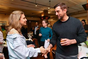 """Aaron Rodgers Explains """"Game Of Thrones"""" Cameo In New Video"""