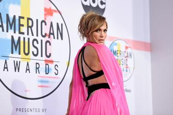 Jennifer Lopez Reveals She's Summer Body Ready With Tight Abs