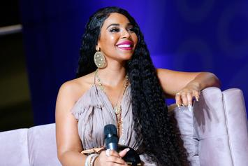 Ashanti Grabs Male Fan By The Crotch In The Middle Of A Show
