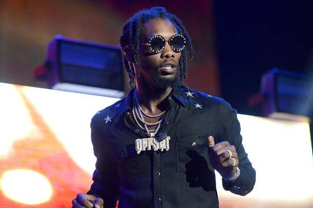 Offset wearing Offset chain
