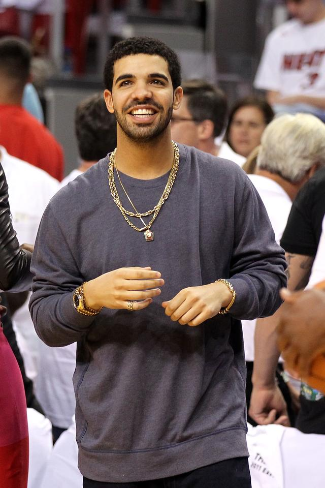 Drake at NBA game in 2011