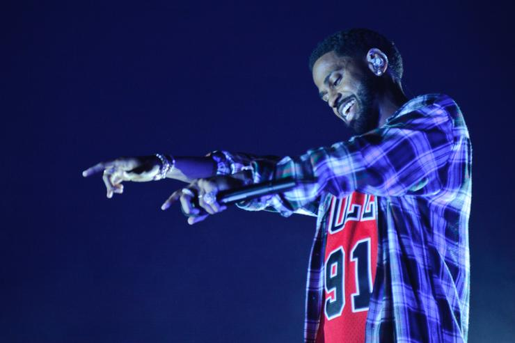 Big Sean performing in Chicago