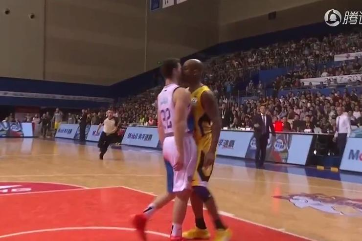 Stephon Marbury and Jimmer Fredette go at it in China