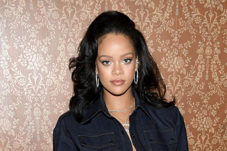 Social Media Praises Rihanna's Stance On Hiring Transgender Models