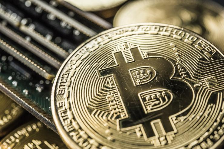 As Bitcoin Reaches $15000, RBI Warns People Against Bitcoin Trading in India