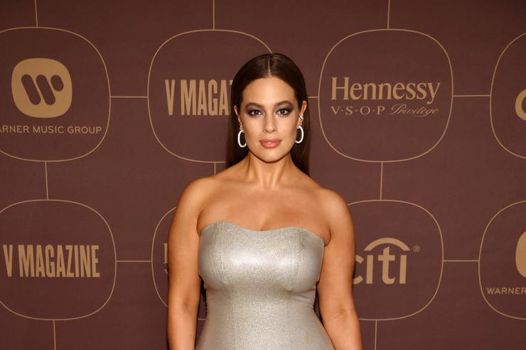 Ashley Graham's Family Discusses Her 'Bush' In Their Group Text & It's Hysterical