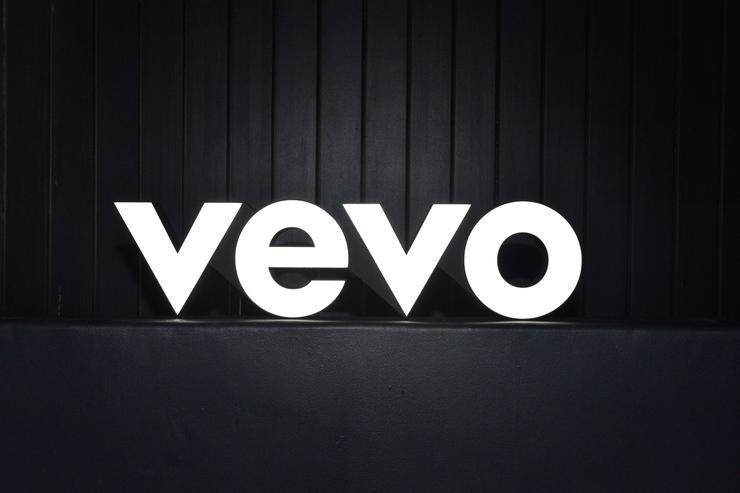 Vevo Shutting Down Mobile Apps and Website to Focus on YouTube
