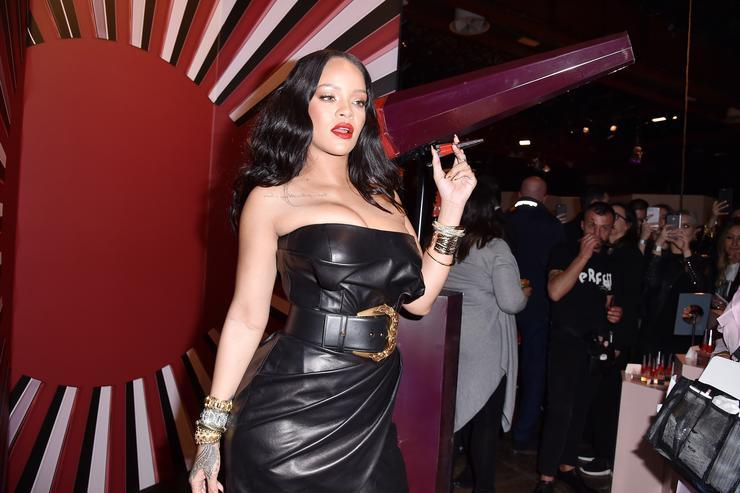 Did Rihanna break up with her billionaire boyfriend?