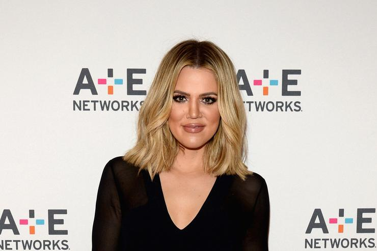 Khloé Kardashian Returns to Los Angeles With Daughter True for Father's Day