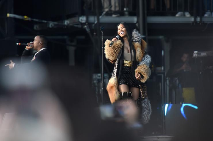 Nicki Minaj slams Travis Scott, Kylie Jenner, and more after chart defeat