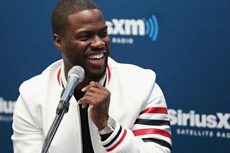 Michael Che Defends Kevin Hart's Homophobia, Slams Oscars, on