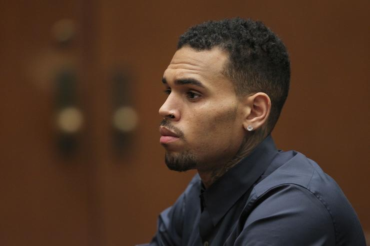Singer Chris Brown files slander case over Paris rape allegation