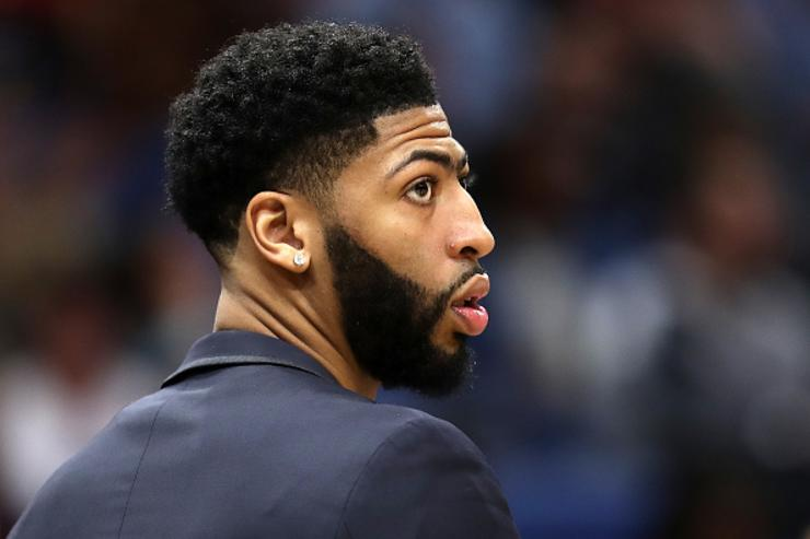 Anthony Davis' dad not on board with son joining Celtics