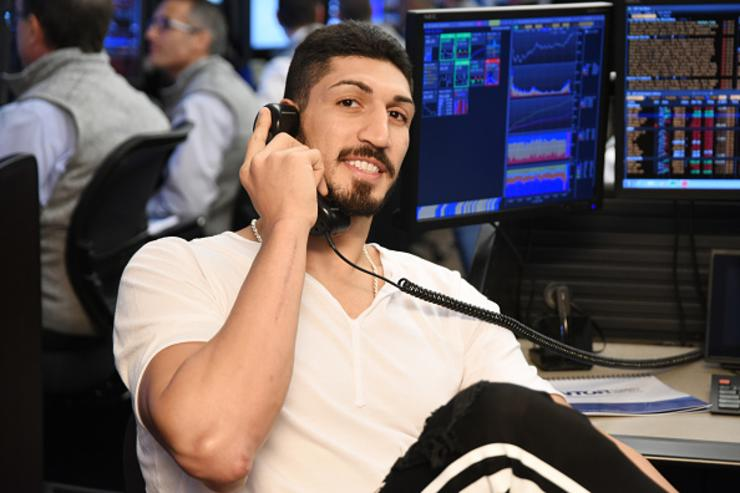 Kanter signs with Trail Blazers