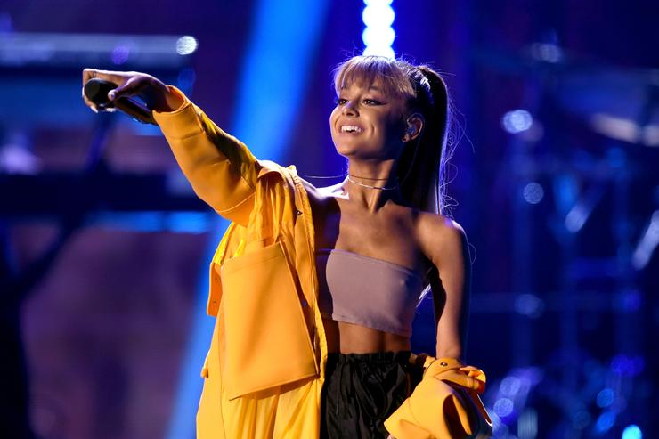 Ariana Grande Is Now Instagram's Most Followed Woman After Surpassing Selena Gomez