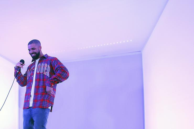 Drake busting a Hotline Bling move