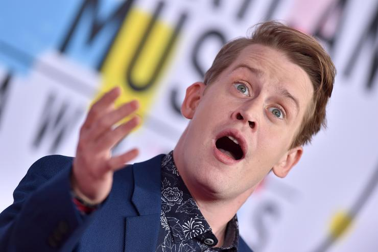 Macaulay Culkin laughs off MJ Abuse Allegations In Front Of Paris