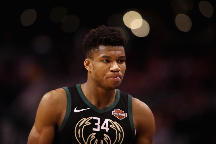 Giannis-led Bucks clinch top seed in east after rallying past 76ers