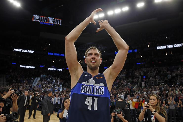 Dirk Nowitzki takes out ad in Dallas Morning News to thank fans