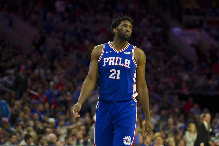 Embiid to play more vs. Raptors despite knee