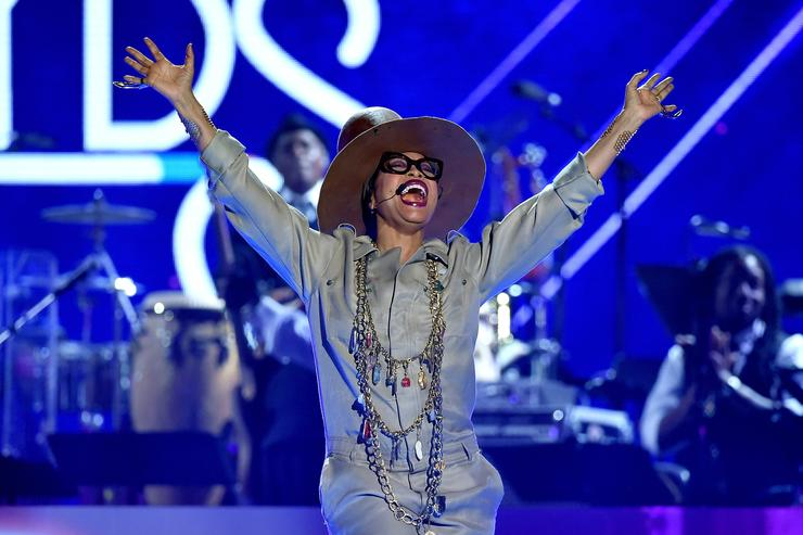 Erykah Badu at 2015 Soul Train Music Awards