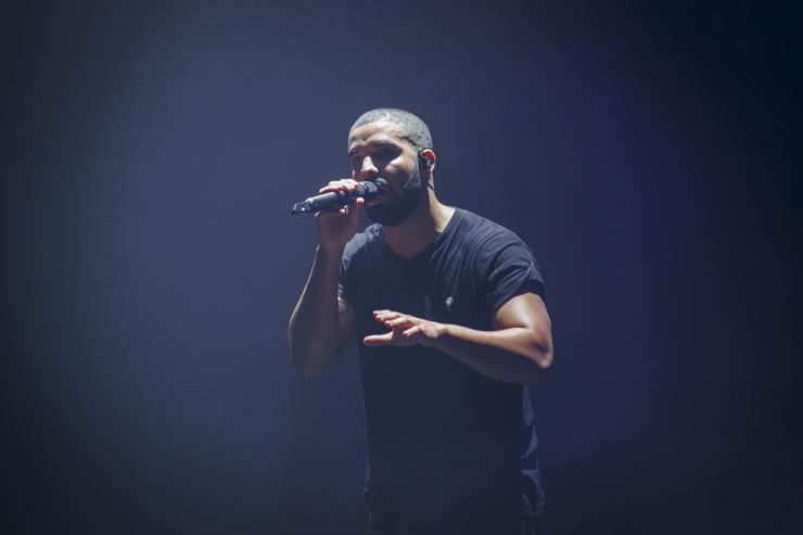 Drake performs at Wireless party